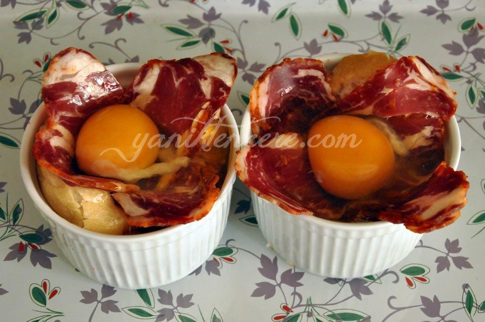 pastırmalı fırında yumurta 1